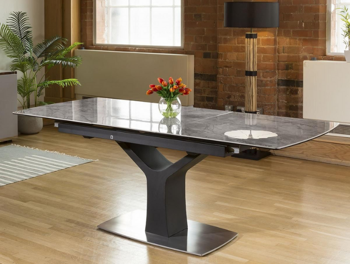 Why you need an Extendable Dining Table