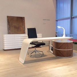 Large Modern High end Designer Desk/Work Station White Gloss/Walnut