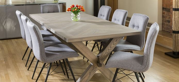 SATURN Solid oak extending rectangular dining table