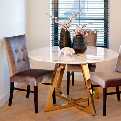 Quatropi Round Dining Table White Faux Marble Gold Steel Legs 130 cm